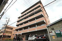 ファミールトヤマ[3階]の外観