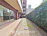~外壁タイル張り~ お客様の求める本当の「住み心地」とは何なのか。そのための一手間一工夫を惜しみません。街並みや周辺の環境に呼応しながら、美しく、そして毎日の暮らしを考慮した機能性の高い住まい。,3LDK,面積65.43m2,価格2,098万円,新京成電鉄 常盤平駅 徒歩2分,,千葉県松戸市常盤平1丁目