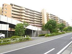 総戸数125戸のビッグコミュニティ 約111平米のゆとりの広さ 4LDK 全居室6帖以上の広々設計