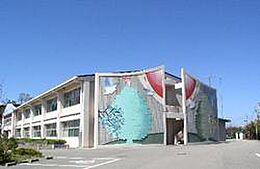 小学校三木市立 緑が丘小学校まで177m