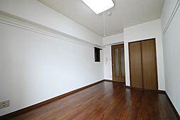 ジョバネ藤原の洋室
