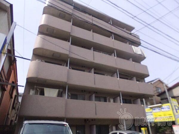 神奈川県川崎市川崎区出来野の賃貸マンションの外観