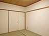 6畳和室:それぞれの時間を楽しみながらも家族との繋がりを感じられる、そんな居心地のいい和室です。