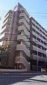 管理の行き届いた清潔なマンション。南・西・北の3方角部屋。陽当たり・眺望良好です。