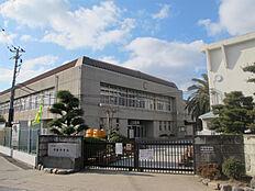 中学校加古川市立中部中学校まで335m