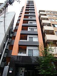 東京都新宿区余丁町の賃貸マンションの外観