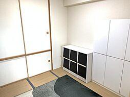 リビング横の和室はくつろぎスペースや客間にも利用可