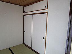 プルミエの天袋付の便利な収納スペースです。