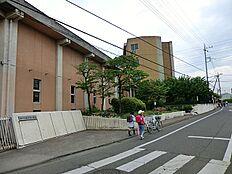 小学校東村山市立秋津東小学校まで730m