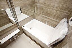 浴室は追い焚き・浴室乾燥機付で快適です