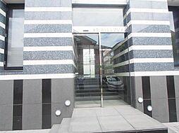 東京都狛江市猪方3丁目の賃貸マンションの外観