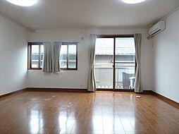 12帖洋室。広々とした開放的な居室になっています。(2018年9月14日撮影)