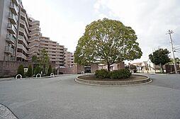 ヴィルヌーブガーデンズ千里山西[6階]の外観