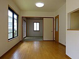 三島市富士ビレッジ 戸建て 5SLDKの居間