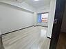 開放廊下側の居室(CGで作成したリフォームイメージです),2LDK,面積64.81m2,価格1,840万円,広島電鉄宮島線 佐伯区役所前駅 徒歩2分,バス 佐伯区役所前下車 徒歩2分,広島県広島市佐伯区海老園1丁目