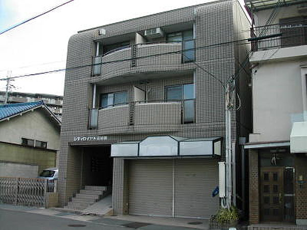 シティロイヤル富雄南[3階]の外観