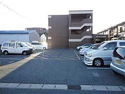 愛知県あま市新居屋榎坪の賃貸マンションの外観