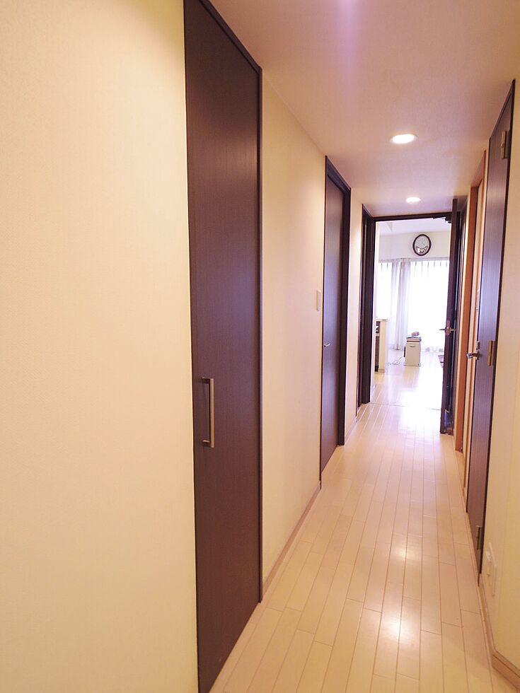 内装(壁面収納、廊下)