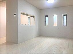 藤白台 築浅戸建 室内綺麗です。空家に付きご案内随時受付中。 4LDKの居間