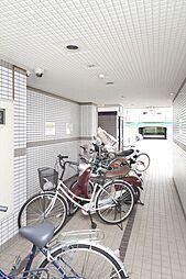 アヴァンセクール江坂の駐輪場
