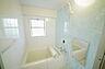 内装:窓があって明るい浴室です。ゆっくりとおくつろぎくださいませ。,1LDK,面積52.94m2,価格1,700万円,東急田園都市線 鷺沼駅 徒歩5分,,神奈川県川崎市宮前区鷺沼1丁目3-13