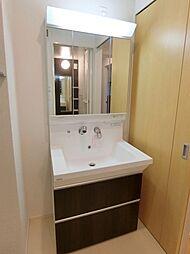 ラ・ルーチェのシャンドレ付き洗面化粧台