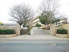 小学校水戸市立見川小学校まで1286m