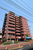 10階建てブラウンの外観が目を引くマンション