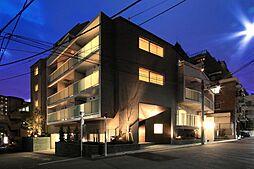 東京都港区南青山6丁目の賃貸マンションの外観