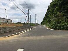 北側接道をより西方向に撮影