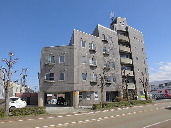トライアングル3 2階の賃貸【石川県 / 金沢市】