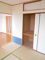プルミエの天袋付の便利な収納スペースです