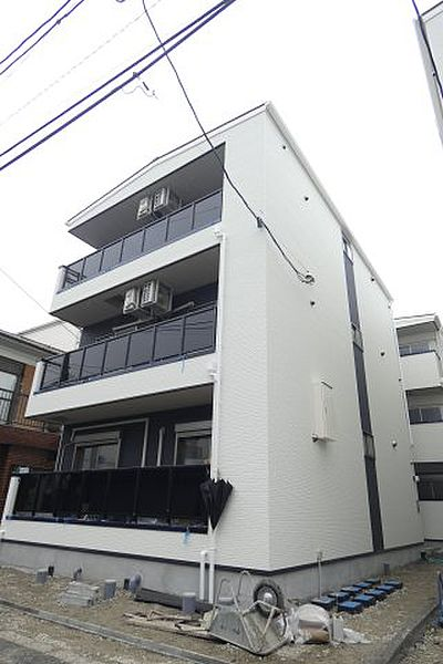 YSmaisonIVOLY[1階]の外観