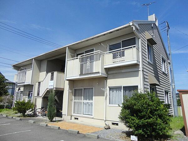 長野県佐久市野沢の賃貸アパートの外観