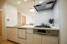 食洗機付きシステムキッチンです。