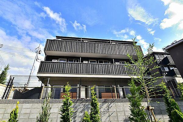 東京都日野市三沢3丁目の賃貸アパート