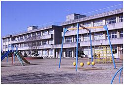 阿見町立阿見第二小学校(1103m)