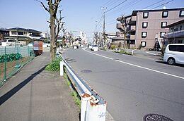 約16mの開放的な前面道路