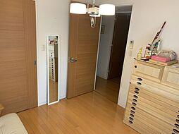 寝室としても子供部屋としてもお使いいただける洋室です
