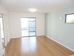 LDKはゆったり約16帖。家具を配置しやすい長方形型です。