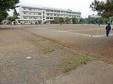 小平市立小平第二中学校 (約670M)