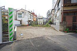 約41坪の2世帯住宅などにも適した敷地です。アパート建築の参考プランもご用意しております。