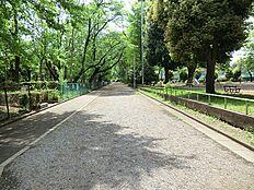 富士森公園 280m
