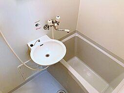 SKアルコバレーノのゆったりバスルーム