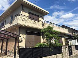 角地に建つ鉄筋コンクリート住宅
