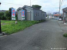 東側接道(平成29年7月中旬撮影)