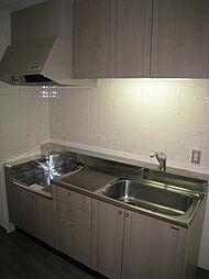 プライマリー大和のキッチンの収納にも困りません。
