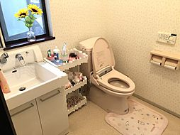 2Fトイレには洗面台つき