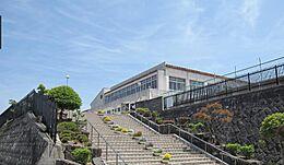 中学校神戸市立有野中学校まで4599m