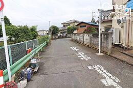 旧青梅街道が近隣に通っていますのでお出かけにも便利な地域です。